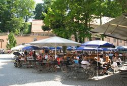 Beer garden in the monastery Weltenburg_ © Tourismusverband Kelheim