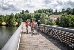 Cyclists on the bridge at Mariaort_ © Florian Trykowski